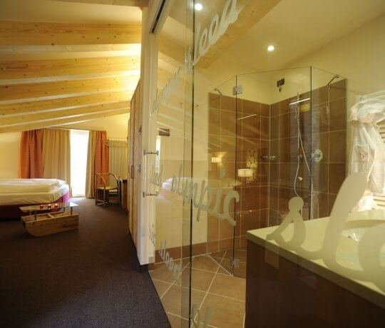 Bagno con doccia a vista