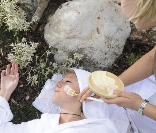 Outdoor beauty treatments