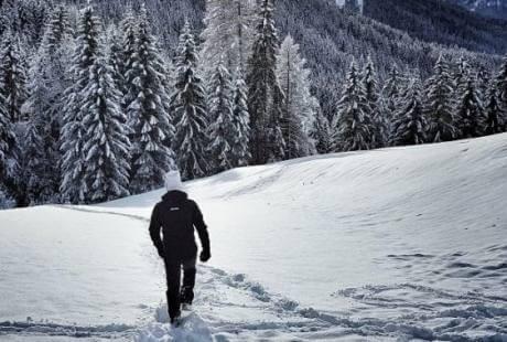 Camminare nella neve in Trentino