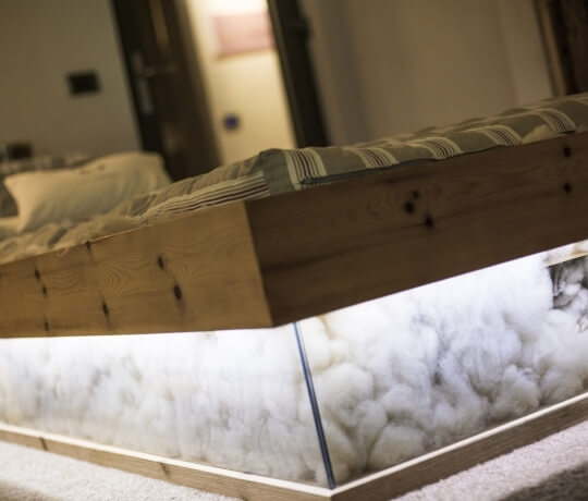 Bett aus Schafwolle