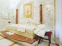 Bagno con vasca nell'Imperia Suite