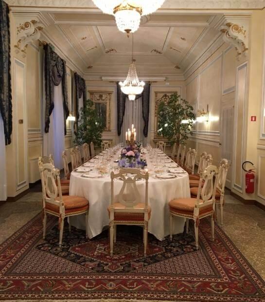 Panoramica della sala Gritti con tavolo Reale
