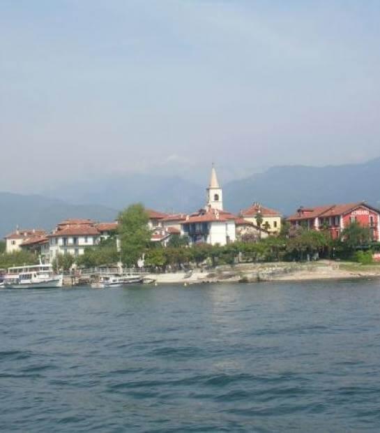 Le case e il campanile dell'Isola dei Pescatori
