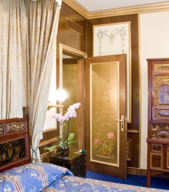 Porta d'ingresso alla zona notte nella Royal Suite