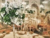 Candelabri con ornamenti floreali