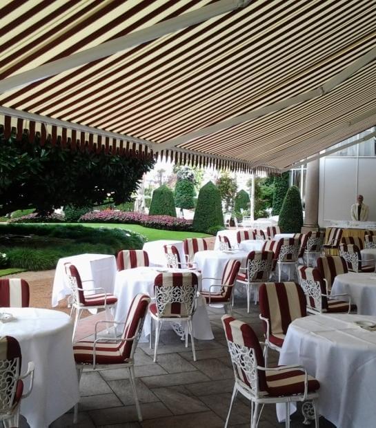 Terrazza con vista sul giardino della Sala Des Dames