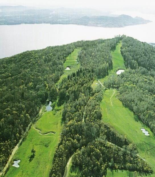 Scatto aereo del campo da golf