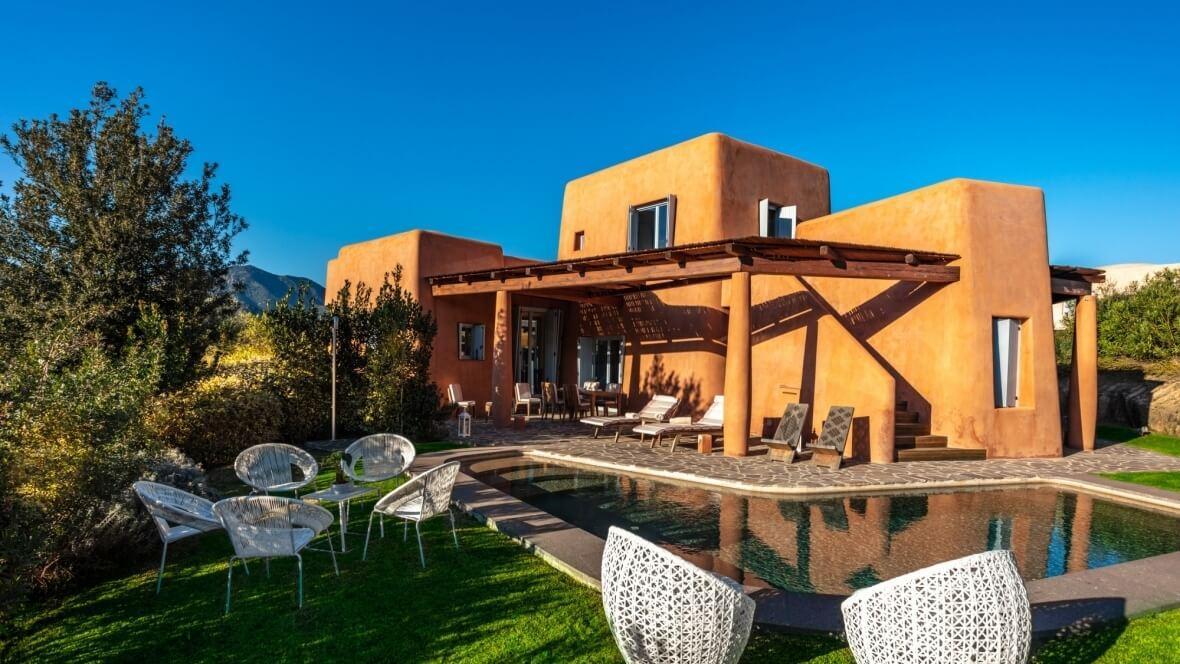 Villa Arenada - Vista esterna piscina e giardino