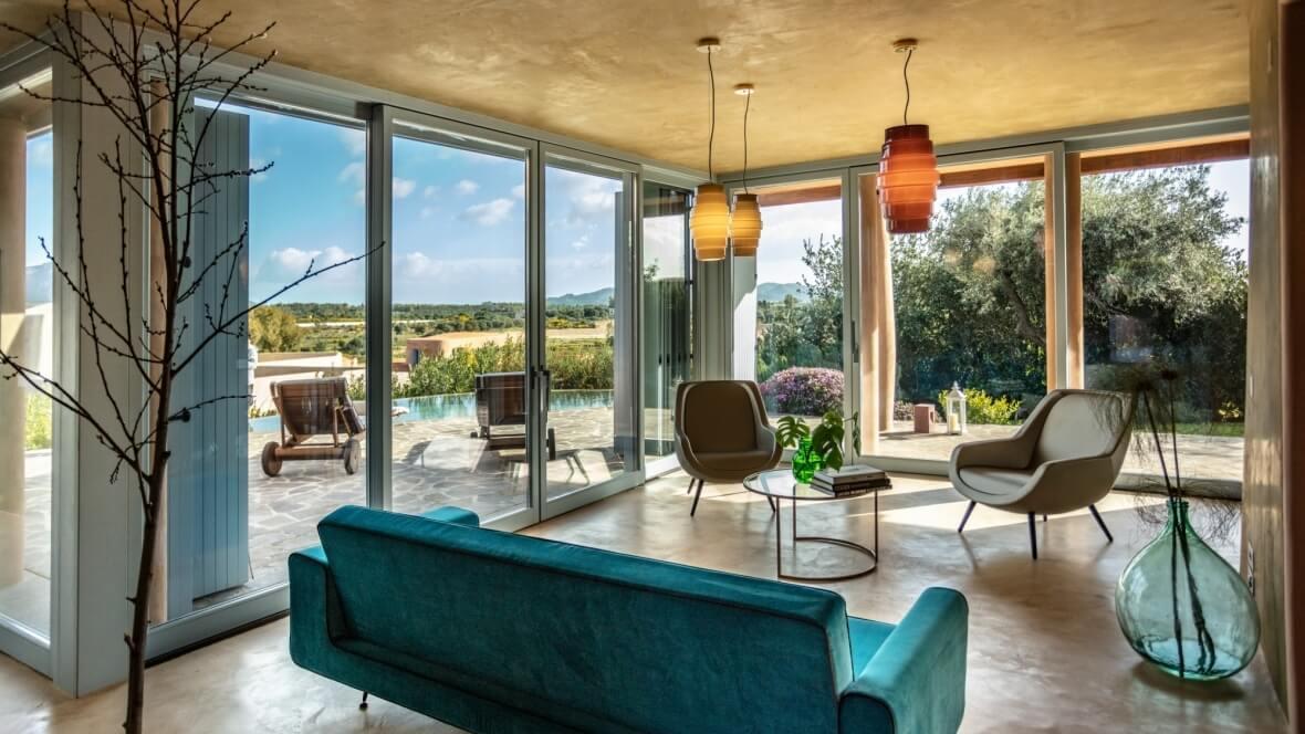 Villa Luxi - Living con vista piscina