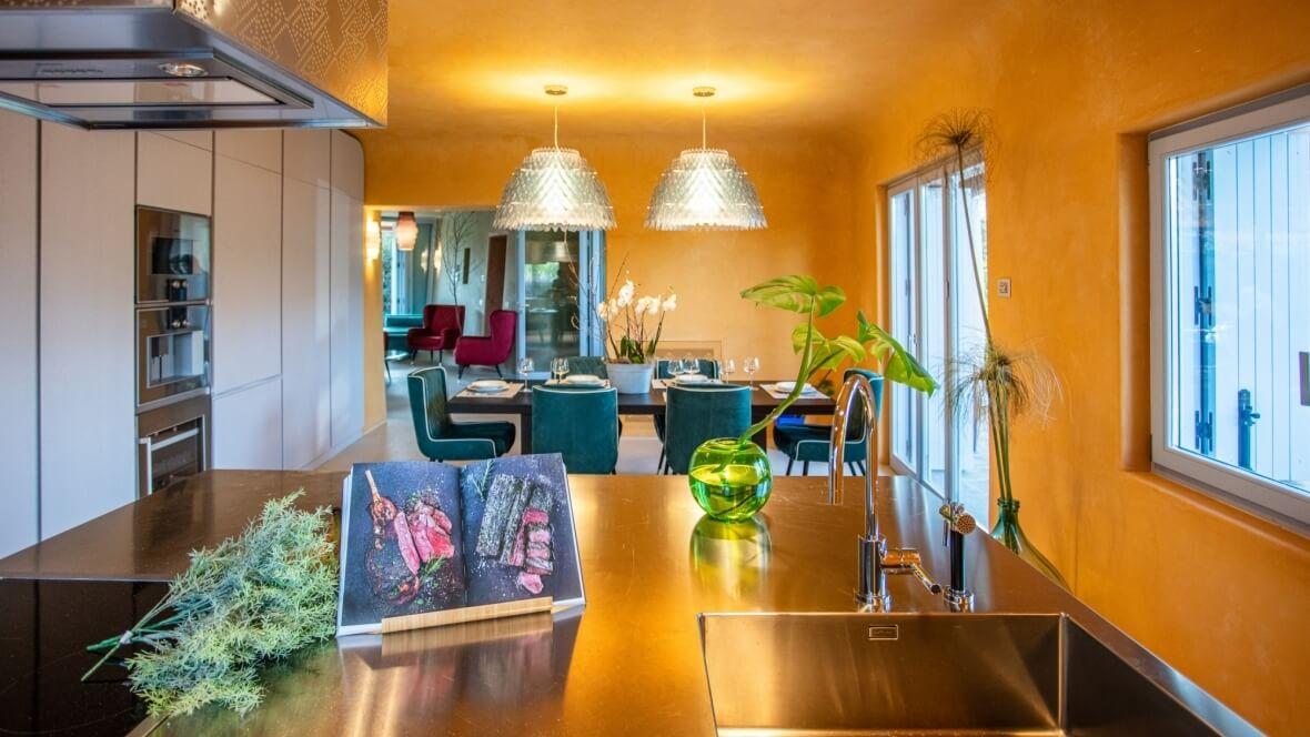 Villa Nea - Cucina e sala da pranzo