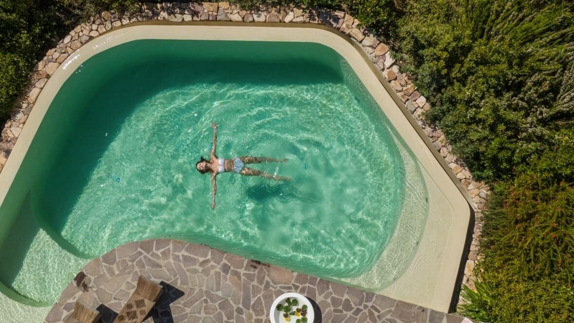 Villa Nea - La piscina