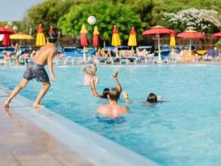 Wassersport auf dem Camping Torre del Porticciolo
