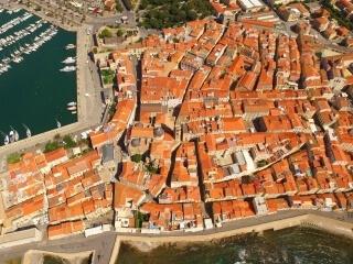Häuser von Alghero im Stadtzentrum