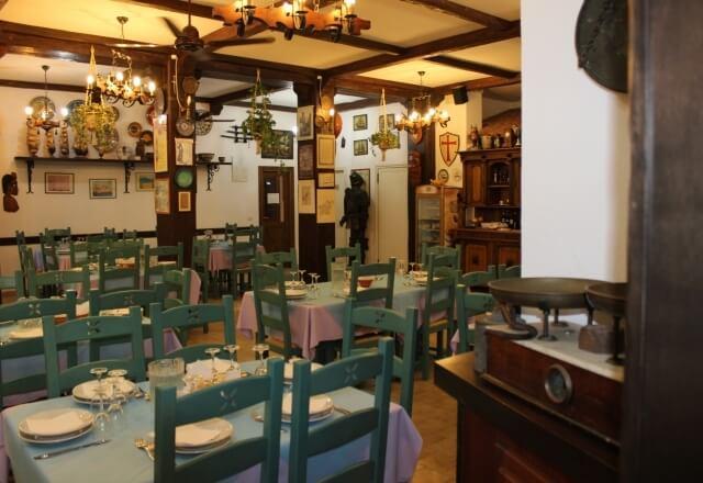 Atmosfera marinaresca nel ristorante i Velieri