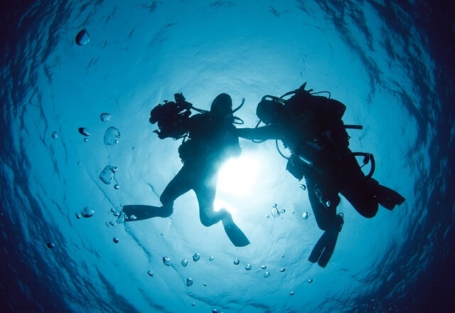 Diving with instructor