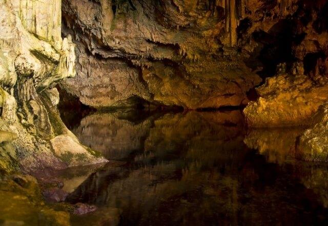 Nettuno Höhlen